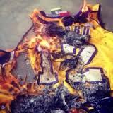 霍华德湖人球衣被烧